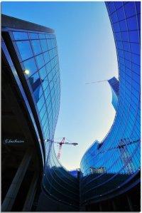 Il nuovo palazzo dela Regione Lombardia: trasparenze interpretate fotograficamente da Luigi Alloni