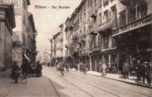 Via Broletto all'epoca del racconto (photo: Milano Sparita)