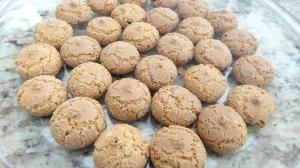 ... amaretti. Alcuni degli ingredienti delle Zucchine alla Viscontea, che fanno risalire il piatto all'era medievale